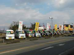 第2展示場。軽自動車からミニバン・セダンまでお買得車展示中!