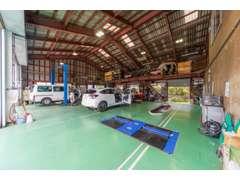 陸運局指定の整備工場です!お客様のお車を大切に扱っております。