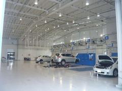 指定の整備工場も併設しておりますので、アフターケアもばっちりですよ!安心してお乗りいただけます。