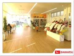 2月11日、リニューアルオープンしました★カフェのような綺麗な店内で、ごゆっくりとお過ごしください!
