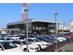 AMGや特別仕様車、限定車の展示が多数ございます。