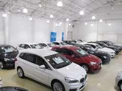 プレミアムセレクション勝どきでは、第二展示場にてウェブサイト未掲載車両なども数多く展示しております。