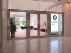 常時約30台展示しております。全車屋内保管です。