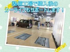弊社大阪ダイハツ販売ディーラーの整備工場で整備士の点検整備を受けてお渡しさせていただいております(*^_^*)