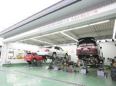 指定認証自社工場も完備していますので、納車後の整備・車検・修理など、何でもご相談頂けます!