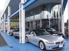 【希少車から新車まで品揃え】国産車から輸入車、希少車、旧車まで販売からアフター、整備まで承っております。総在庫約100台!