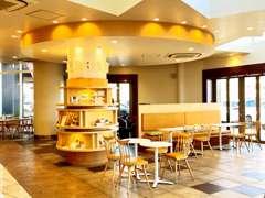 大人気のWOW  カフェ !フリードリンクとポップコーンも完備!一般のお客様もお気軽にご来店ください!お待ちしております!