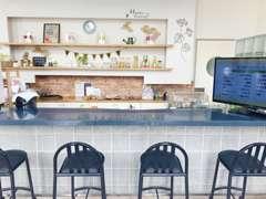 なんと、店内にはカフェスペースも作ってしまいました!美味しいお飲み物でごゆっくりお過ごしください★