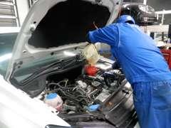 フォルクスワーゲン・ジャパンが定めるテクニカルマイスターが愛車をメンテナンス致します。