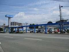 ネッツトヨタ福岡(株)最大の敷地面積と約100台を展示しております。VOXY・ヴェルファイアはお任せください!