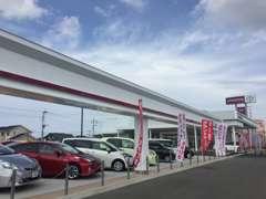 店内も展示場も広々とした福津店です♪駐車スペースも多く確保しておりますのでお気軽にお立ち寄りください。