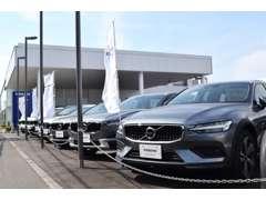 ボルボ北海道最大級の展示場には、約60台を展示。ご希望のお車があれば、入庫予定の車両もありますので、ご相談ください。