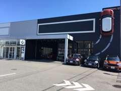 2011年1月に新規OPENしましたMINI/NEXT奈良店です。国道24号線沿いに位置しアクセスも便利。皆さんで是非お立ち寄りください。