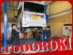 納車整備やアフターフォローもおまかせください★当店で車検も受けられる自社認証工場を取得!1台1台抜かりなく対応しております
