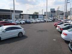 国道16号沿い、広大な敷地に選びぬかれた欧州車が150台展示されております。常磐道柏ICより2分です