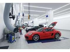 輸入車グループ最大級規模の整備工場を完備!