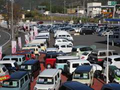 【車のテーマパーク】お車、常時約200台ありますので、お探しのクルマがきっとみつかります(*^^*)