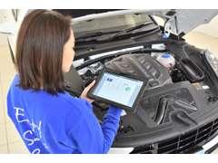 販売車両のコンディションのチェックや納車後の車検・点検・整備・鈑金・保険などのアフターフォローもしっかり行なっております