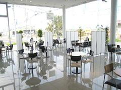 明るく開放感のあるショールームです♪美味しいお飲み物をご用意して皆様をお待ちしております♪