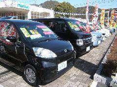 中古車はマツダ車に限ず様々なメーカーの軽自動車~乗用車まで幅広く取り揃えております。