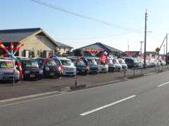 色々な軽自動車とスポーツカーを揃えています☆