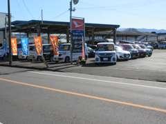特選車展示場☆希少な車から低燃費で経済的な車など幅広く取り揃えております!もちろん注文販売も承ります!
