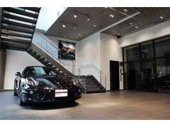 最新型のポルシェから空冷型まで様々な車種を取り扱っております。