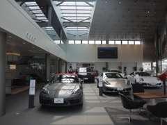 常時4台の展示車輌とモデル別の試乗車をご用意しております