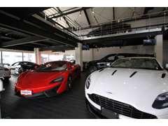 2段式ショールームガレージにはSUV系の欧州車が勢揃い!!