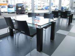 商談スペースもゆったりお客様とお話できる空間です☆