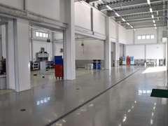 関東運輸局長認定整備工場を完備しております。