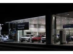 VWのCI世界基準、モジュラーコンセプトを採用したショールーム。