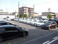 ■正規ディーラー車やディーラー下取車など、高品質車を中心に取り扱いしております。