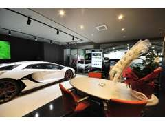 R171沿い 神戸から約40分、京都から約40分の好アクセスです。駐車場38台のスペース有りです。