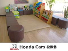 ファミリー様向けキッズコーナーを完備、お子様がおもいっきり遊べますし、安心してお車を選んで頂けます。