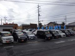 軽自動車を中心に常時30台以上、展示しております。