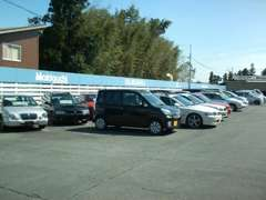 在庫は常時10~20台以上展示中です!もちろん在庫に無いお車もお探しできます。